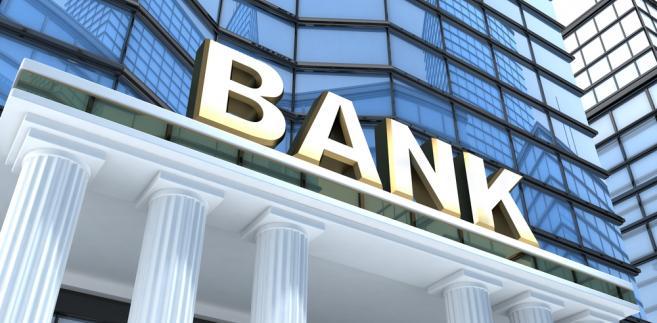 Bank 1065217-bank-657-323