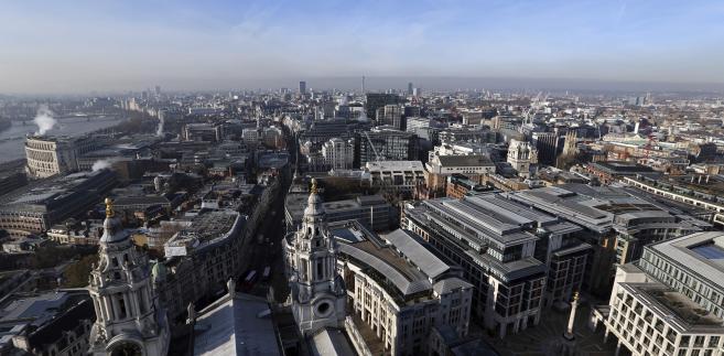 Widok z Katedry św. Pawła na zachodnią część Londynu, 30.11.2012