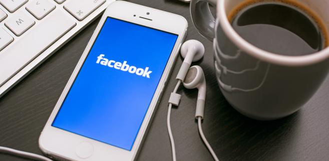 facebook-smartfon-komputer