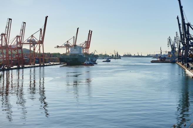 Kontenerowiec MSC Charleston w Gdyni . (aw/zuz) PAP/Adam Warżawa