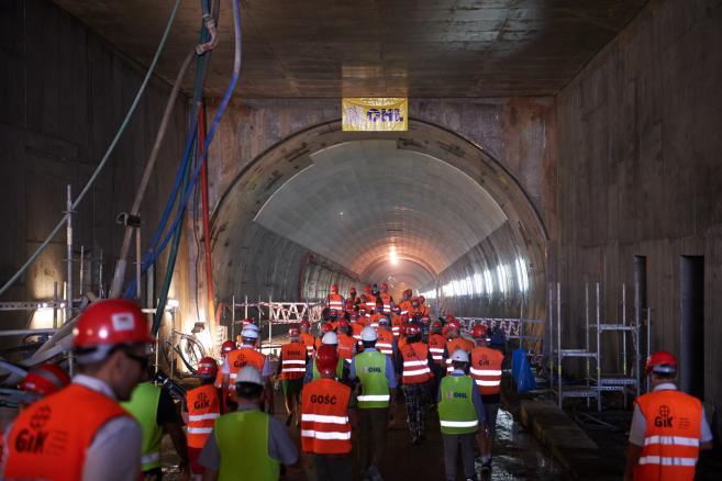 Prace wykończeniowe w tunelu pod Martwą Wisłą w Gdańsku (aw/zuz) PAP/Adam Warżawa