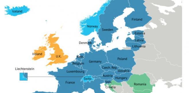 Strefa Schengen. Kolorem ciemnoniebieskim zaznaczono państwa członkowskie UE i Strefy Schengen. Kolorem jasnoniebieskim panstwa, które są Strefie Schengen, ale nie są w Unii Europejskiej. Na zielono - panstwa, które są w UE i kandydują do Strefy Schengen. Na źółto - państwa, które są w UE i nie chcą być częścią Strefy Schengen. Źródło: Stratfor