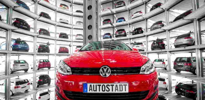 Auta marki Volkswagen For. EPA/SEBASTIAN KAHNERT, 50800767 Dostawca: PAP/EPA.