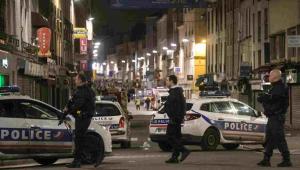 Policyjna obława na zamachowców w dzielnicy Saint Denis w Paryżu EPA/ETIENNE LAURENT Dostawca: PAP/EPA.