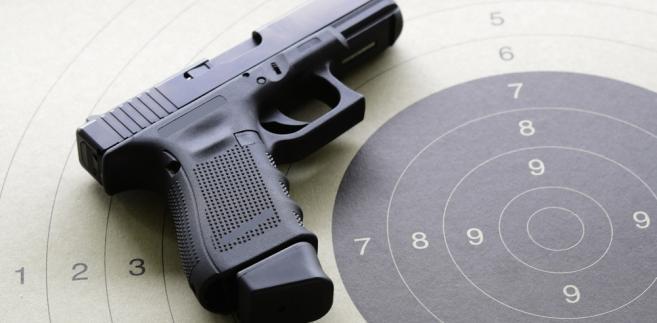 broń, strzelnica, pozwolenie na broń