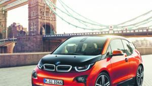 BMW i3 Cena: 153 700 zł Zasięg: ok. 150 km Przyspieszenie 0–100 km/h: 7,2 s Prędkość maksymalna: 150 km/h