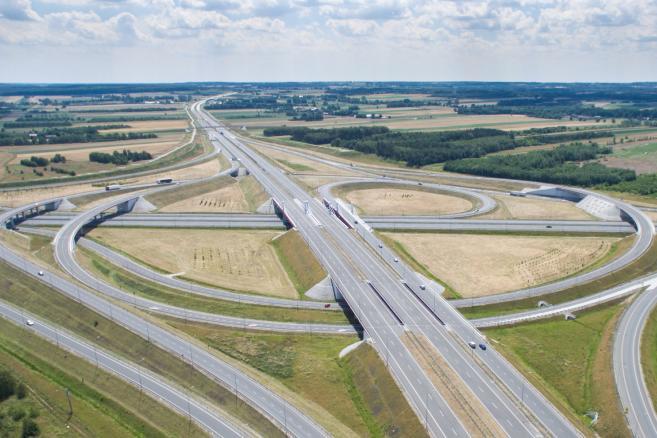 Skrzyżowanie autostrad A1 i A2, węzeł autostradowy Łódź Północ fot. (mr) PAP/Leszek Szymański