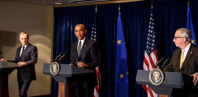 Prezydent USA Barack Obama, przewodniczący Rady Europejskiej Donald Tusk oraz szef Komisji Europejskiej Jean-Claude Juncker podczas konferencji prasowej po spotkaniu w hotelu Marriott w Warszawie.