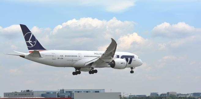 LOT. Boeing787 Dreamliner. Dwie takie maszyny przylecą w 2017 r. fot. Jacek Bończek, LOT