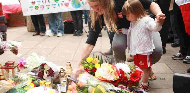 Marsz pamięci po śmierci Polaka w Harlow w Wielkiej Brytanii EPA/SEAN DEMPSEY Dostawca: PAP/EPA.