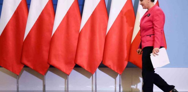 Premier Beata Szydło, 28 bm. w KPRM podczas konferencji prasowej dotyczącej dwudniowego posiedzenia Rady Ministrów i rekonstrukcji rządu. (cat) PAP/Paweł Supernak