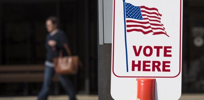 Punkt wyborczy, Lancaster, Ohio, USA.