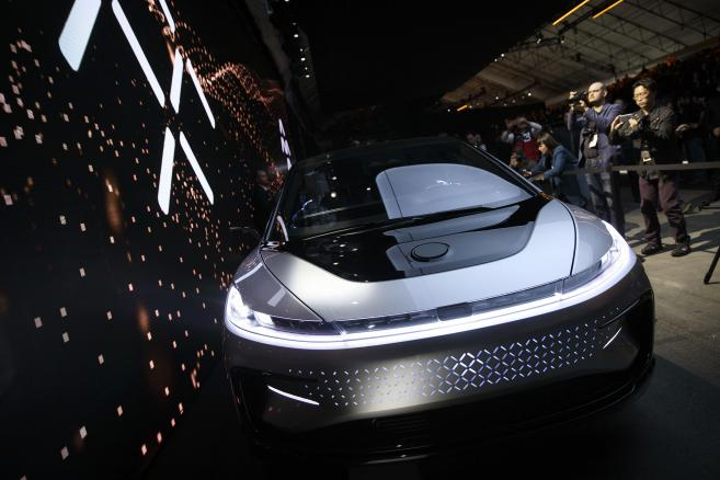 Samochód elektryczny FF91 ze stajni Faraday Future