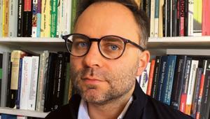 """Kacper Pobłocki antropolog, aktywista miejski. Jego nowa książka """"Kapitalizm. Historia krótkiego trwania"""" ukazała się nakładem Fundacji Bęc Zmiana fot. Materiały prasowe"""