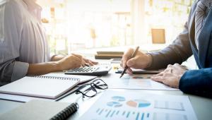 Ponieważ od 1 lipca zacznie obowiązywać split payment w VAT, to do tego czasu trzeba przygotować systemy informatyczne ksiąg rachunkowych