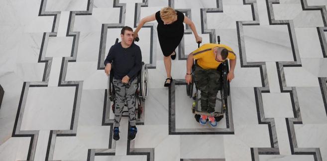 Joanna Scheuring-Wielgus z niepełnosprawnymi w Sejmie