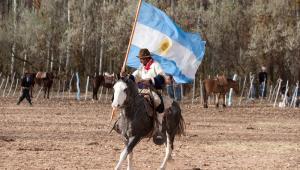 Gauczo z flagą Argentyny, fot. Eduardo Rivero / Shutterstock.com