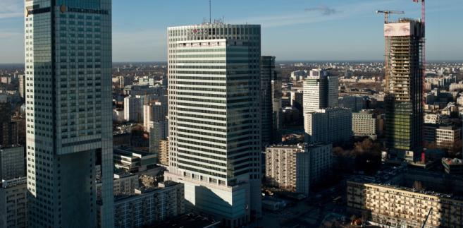 Widok na budowę wieżowca Cosmopolitan