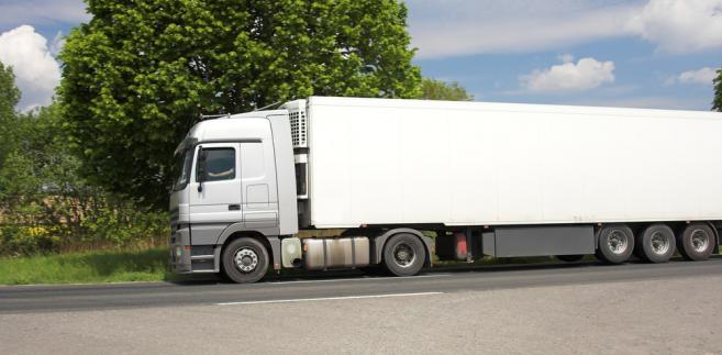 tir-ciężarówka-transport