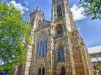 Archikatedra w York – gotycka katedra położona w Yorku, w hrabstwie North Yorkshire w Anglii. Obok katedry w Kolonii jedna z największych katedr gotyckich w Europie Północnej. Katedra ma 160 metrów długości i 76 metrów szerokości. Środkowa wieża ma 71 metrów wysokości, wieże zachodnie – 56 metrów.