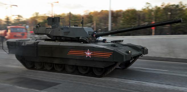 Rosyjski czołg T-14 Armata podczas próby przed paradą zwycięstwa w Moskwie. Zdjęcie:Vitaly V. Kuzmin - http://www.vitalykuzmin.net/?q=node/603. Licencja CC BY-SA 3.0 na podstawie Wikimedia Commons