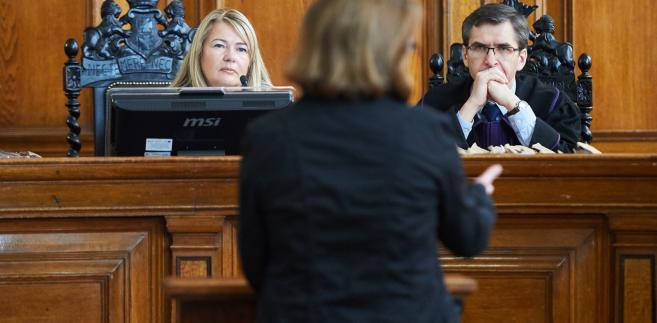 Była pracowniczka Amber Gold. Pierwszy świadek przesłuchiwany przez sędziów Sądu Okręgowego w Gdańsku Lidię Jedynak i Marka Kapałę
