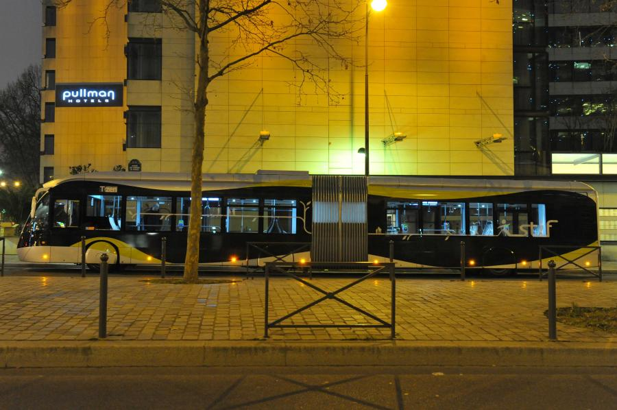 Autobus Solaris BHNS w Paryżu. Fot. materiały prasowe