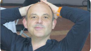 BIO: Paolo Manasse, włoski ekonomista z uniwersytetu w Bolonii. Wcześniej wykładał m.in. na paryskiej Sorbonie i w mediolańskiej szkole biznesu im. Luigiego Bocconiego. Pracował dla OECD, Banku Światowego i MFW Fot. mat. prasowe