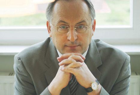Alfred Bieć, ekspert Parlamentu Europejskiego, ekonomista Szkoły Głównej Handlowej