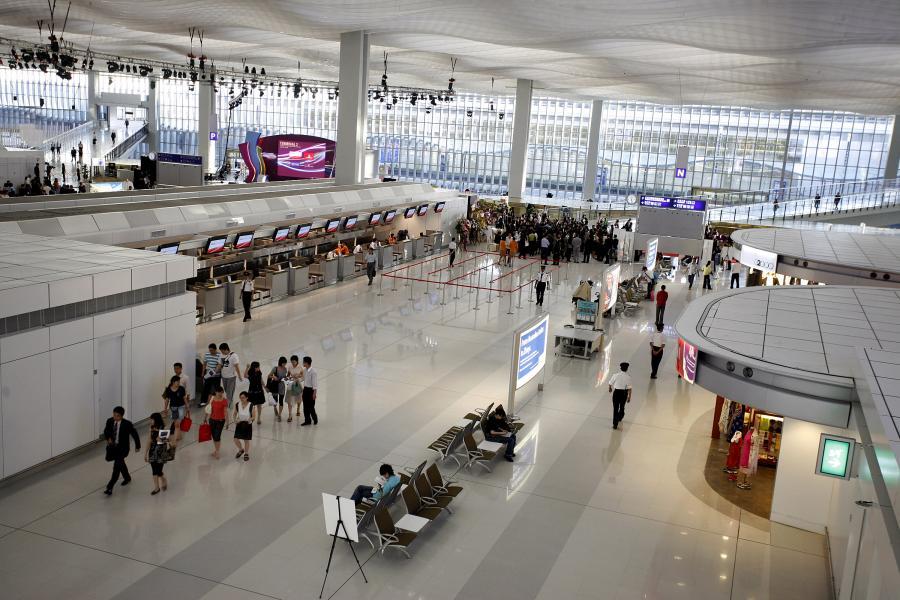 Hong Kong International Airport in Hong Kong. fot. Bloomberg