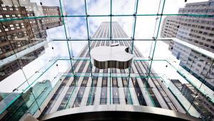 General Motors Building w Nowym Jorku i znajdujący się pod nim sklep Apple