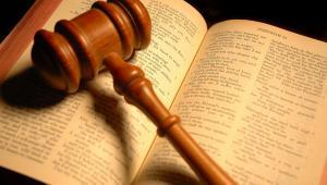 Biblia w sądzie